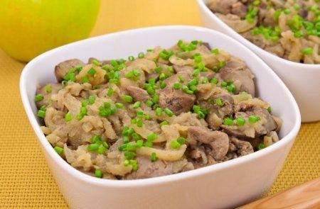 Рецепт Куриная печень, жаренная с яблоками