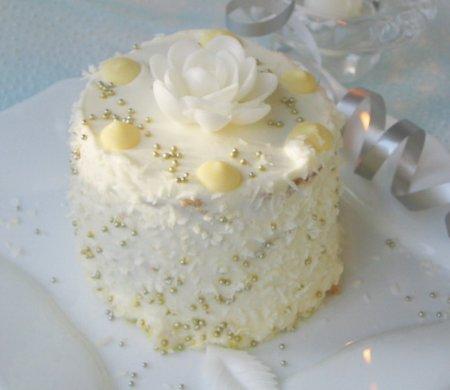 Рецепт Пирожные ореховые с ананасом и кокосовой стружкой