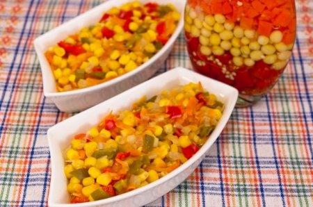 Рецепт Болгарский перец, жаренный с кукурузой