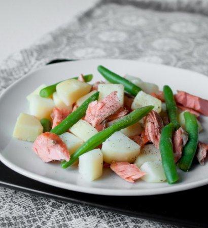 Рецепт Салат из форели с картофелем и зеленой фасолью