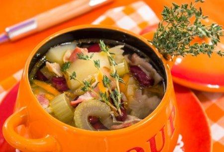 Рецепт Суп с беконом, сельдереем и фасолью