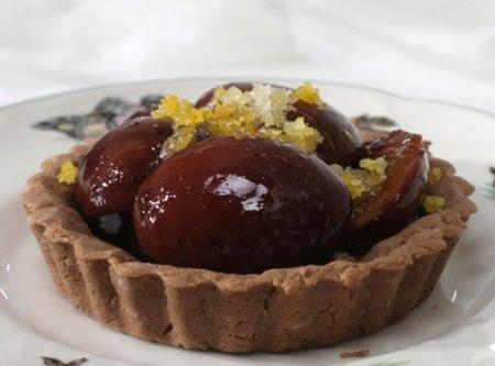 Рецепт Шоколадные корзинки со сливами