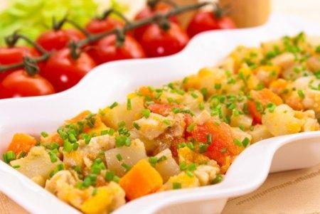 Рецепт Кольраби, тушенная с куриным филе и овощами