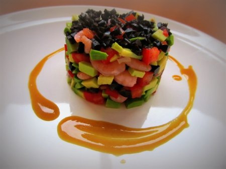 Рецепт Салат с авокадо под горчично-медовым соусом