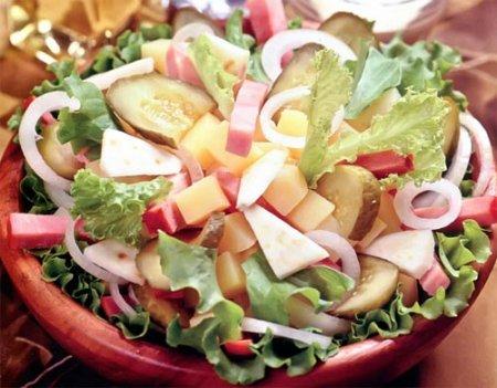 Рецепт Салат из сельдерея, картофеля, ветчины и огурцов
