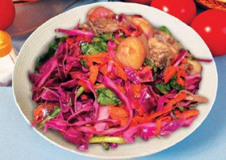 Рецепт Овощной салат с говядиной и фундуком