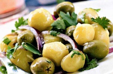 Салат с картофелем и оливками
