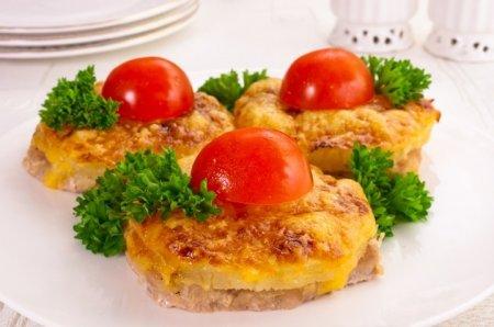 Рецепт Свинина, запеченная с ананасами и сыром