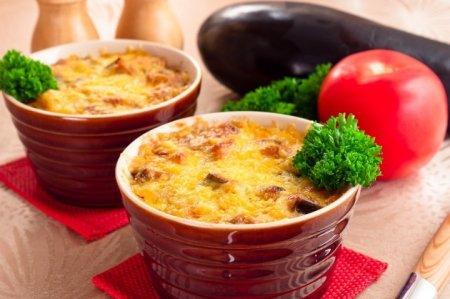 Рецепт Запеканка с баклажанами и фаршем с соусом «Бешамель»
