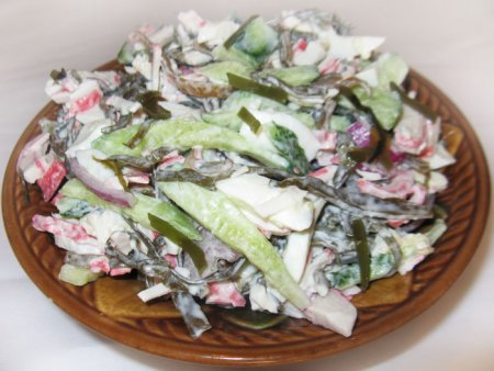 Рецепт Салат с морской капустой и крабовым мясом