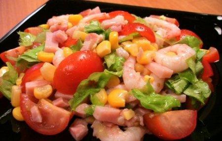 Рецепт Салат с кукурузой и креветками
