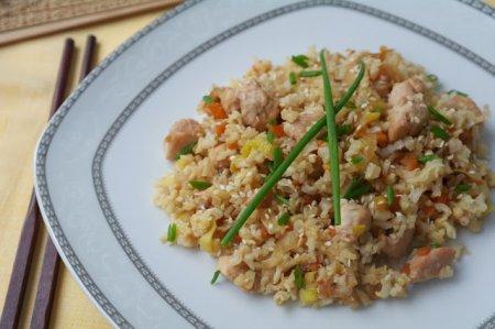 Рецепт Чесночный рис с куриным филе