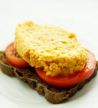 Рецепт Бутерброды с помидором и пюре из гороха Нут