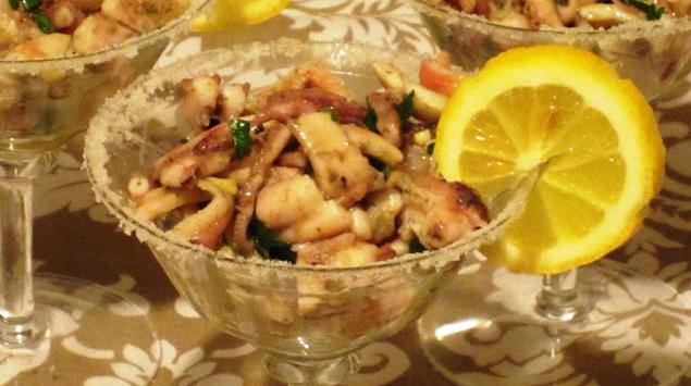 Морской салат с осьминогом