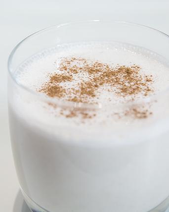Рецепт Молочно-овсяный коктейль с корицей