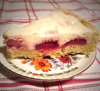 Рецепт Клубничный пирог со сметанной заливкой