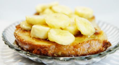 Рецепт Гренки с карамельно-банановым соусом