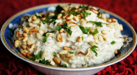 Рецепт Закуска из запеченных баклажан с кедровыми орешками
