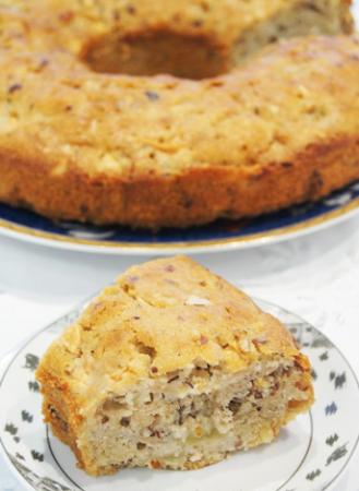 Рецепт Пряный кекс с яблоками, грушами и орехами