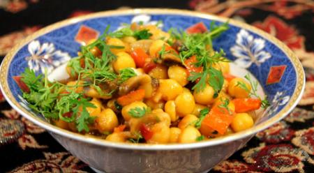 Рецепт Нут с грибами в томатном соусе