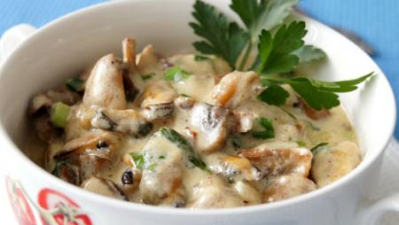 Рецепт Жаркое с грибами и мидиями