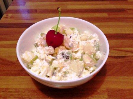 Рецепт Фруктовый салат с творогом