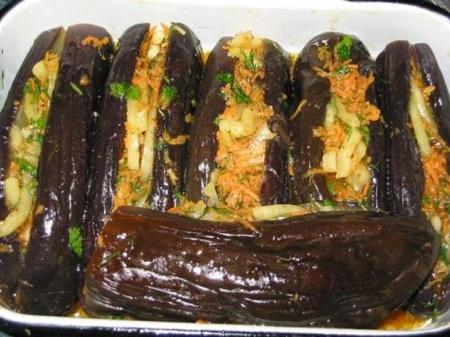 Рецепт Баклажаны фаршированные в соусе со сливками