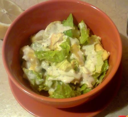 Рецепт Куриный салат с авокадо с йогуртовой заправкой