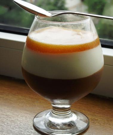 Рецепт Шоколадный мусс с нежным сливочным кремом и абрикосовым желе