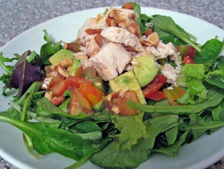 Рецепт Салат с авокадо и куриного мяса