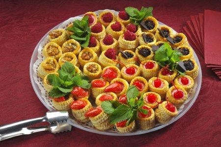 Рецепт Волованы с фруктово-ягодной начинкой