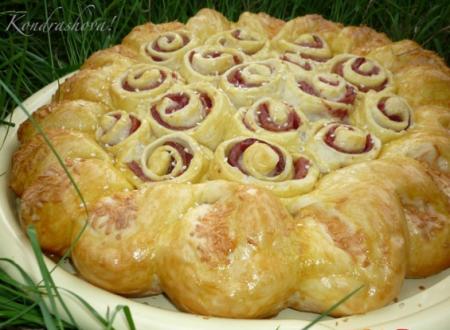 Рецепт Пирог с колбасой и сыром