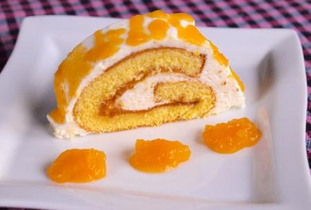 Рецепт Лимонно-абрикосовый рулет с йогуртовым кремом