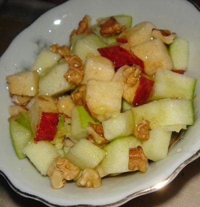 Салат из яблок с медом