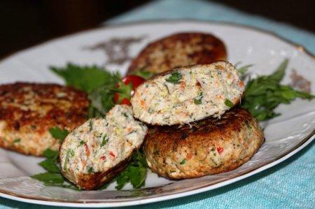 Рецепт Куриные котлетки с творогом и овощами