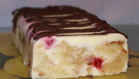 Рецепт Сметанно-бисквитный десерт с малиной