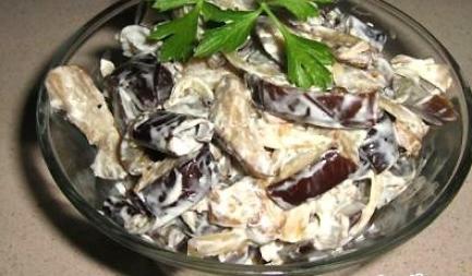 Рецепт Салат из баклажанов с овощами и специями