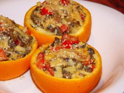 Рецепт Салат с грибами и перцем в апельсинах