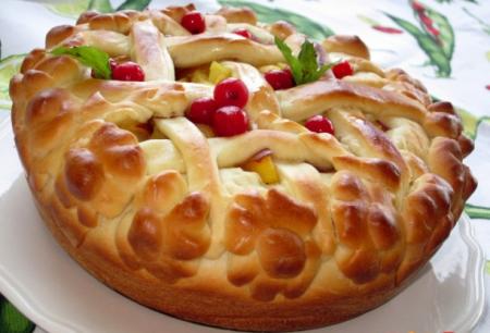 Рецепт Пирог со сливами, персиками и нектаринами