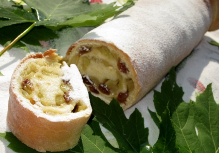 Рецепт Яблочный штрудель из дрожжевого теста