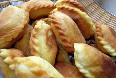Рецепт Пирожки со шкварками