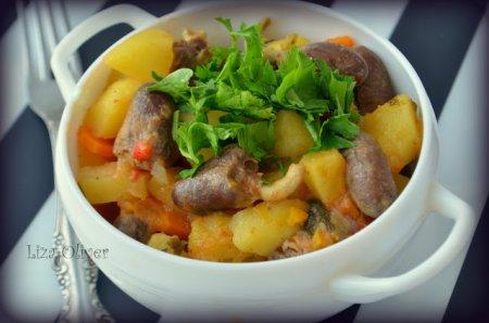 Рецепт Острое жаркое с куриными сердечками и картофелем
