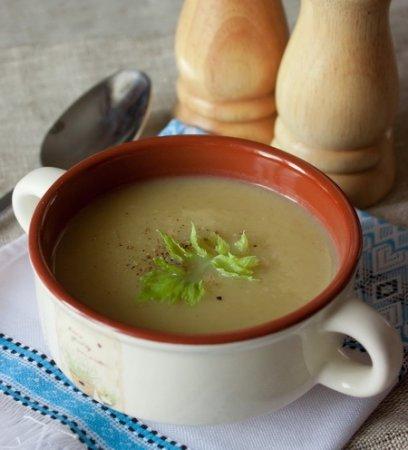 Рецепт Крем-суп из стеблевого сельдерея с луком и картофелем