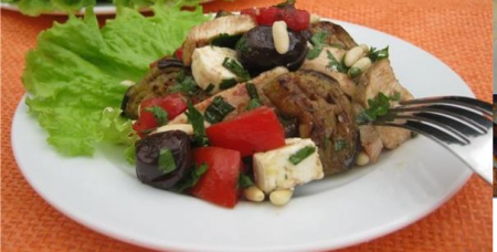 Рецепт Салат с курицей, баклажанами и кедровыми орехами
