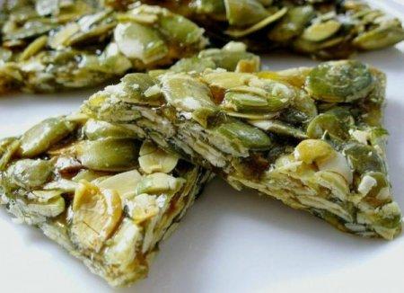Рецепт Козинаки - конфеты из тыквенных семечек с медом