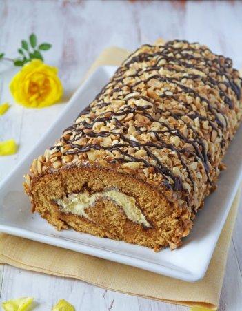 Рецепт Рулет медовый с арахисом