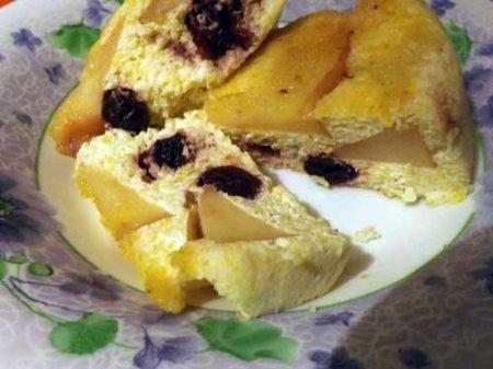 Рецепт Творожная запеканка с яблоком и вишней в мультиварке