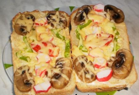 Рецепт Пицца на хлебе в микроволновке