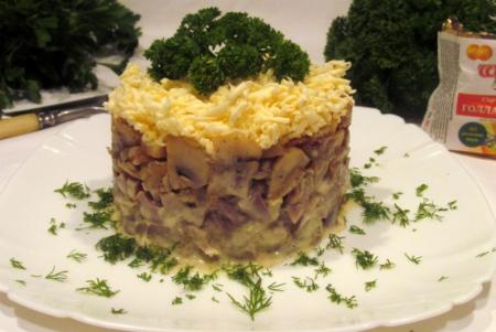 Рецепт Салат с пупками, грибами и плавленным сыром