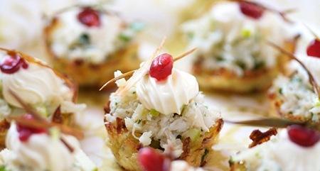 Рецепт Картофельные корзинки с селедкой и овощами